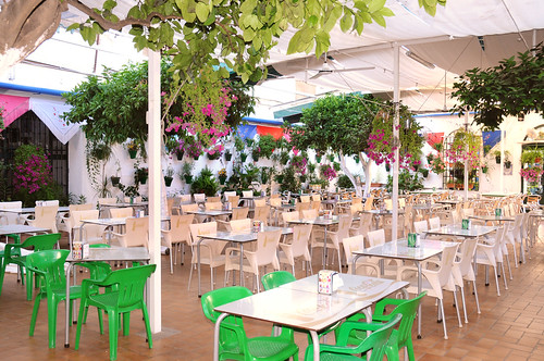Sensación, Atracción  y Comodidad en Restaurante Taberna Sociedad Plateros de María Auxiliadora by Taberna Sociedad de Plateros María Auxiliadora