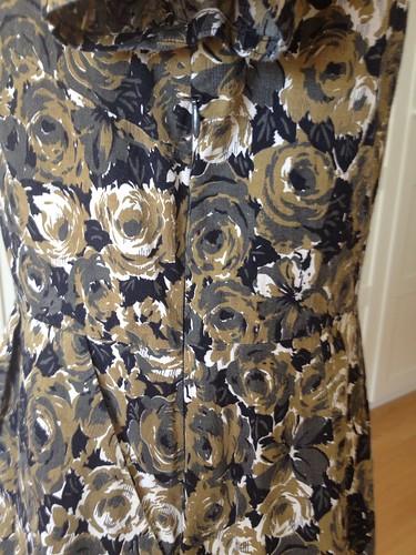 brown roses Simplicity 6894 side zip