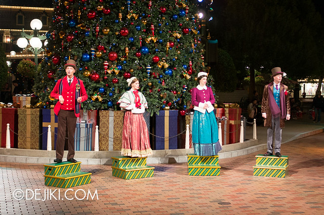 HKDL - Christmas Illumination - Carolers