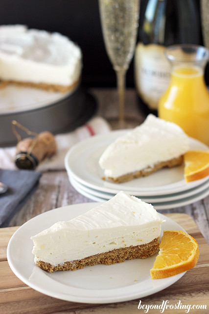 No-Bake White Chocolate Mimosa Cheesecake | beyondfrosting.com | #nobake #champagne #cheesecake