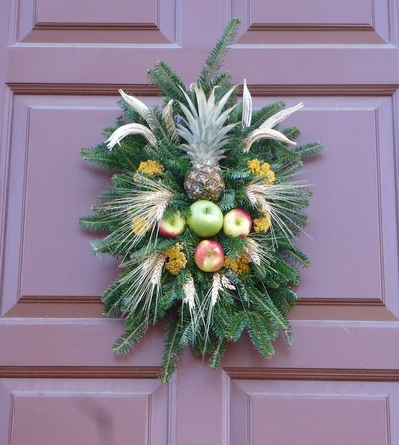 Williamsburg Christmas Decorating Ideas: A Fashionable Frolick: Christmas Decorations From Colonial