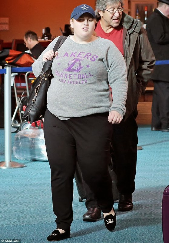 Rebel Wilson Clothing Style: LA Lakers Sweatshirt