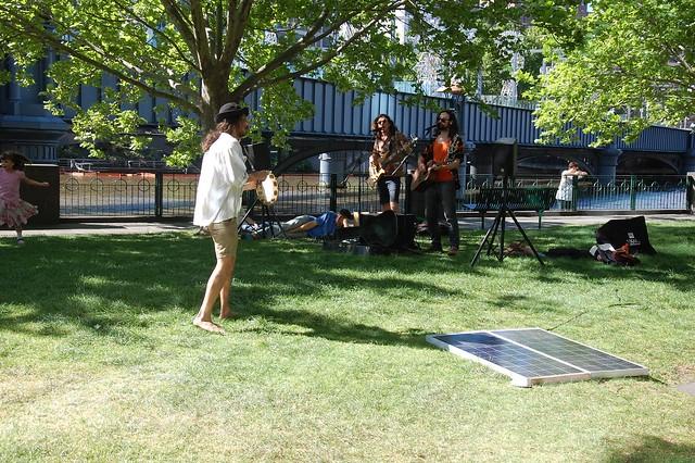 Usando la luz solar para tocar música
