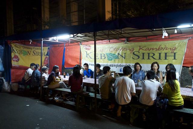 ジャカルタのストリートレストラン