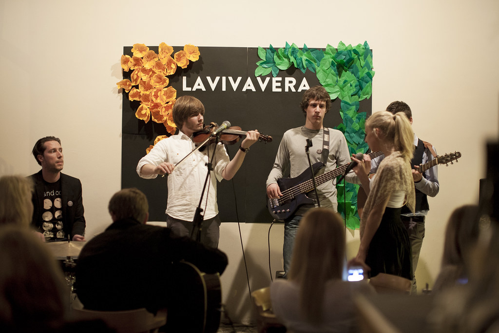 lavivavera party