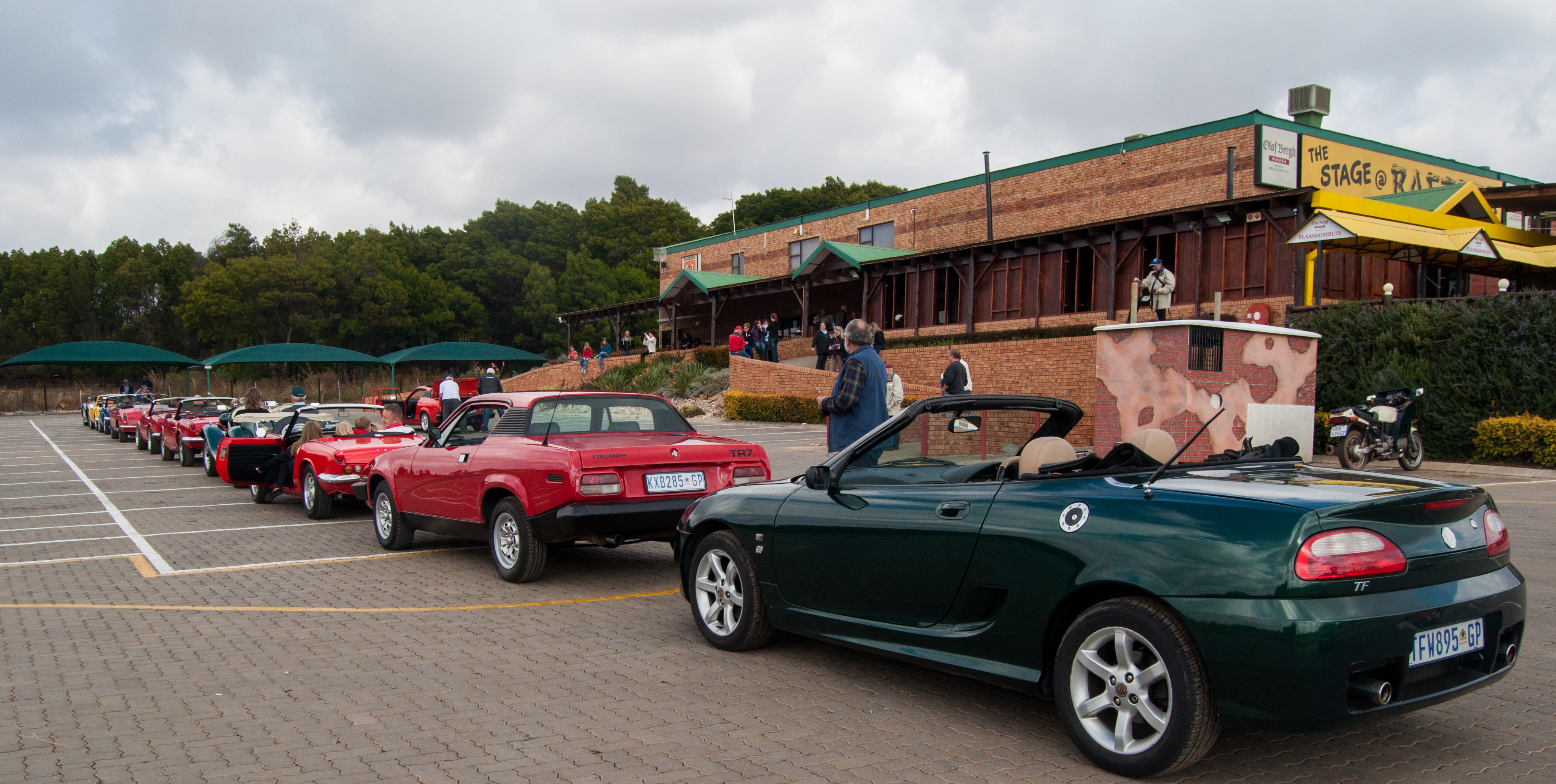 Test Driving Nikon D90 Video With 10 >> MG TF, Triumph TR7 and other classic cars | Flickr - Photo Sharing!