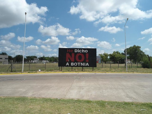 Propaganda anti-papeleras en Gualeguaychú