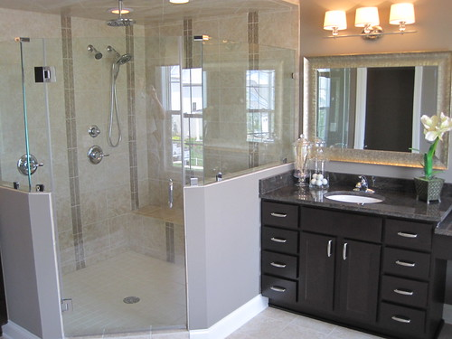 Modern bathroom design without tubs