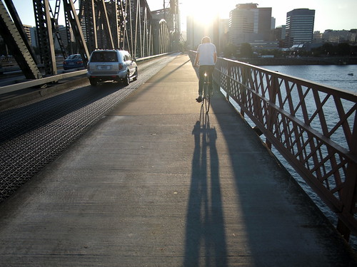 Crossing Hawthorne Bridge
