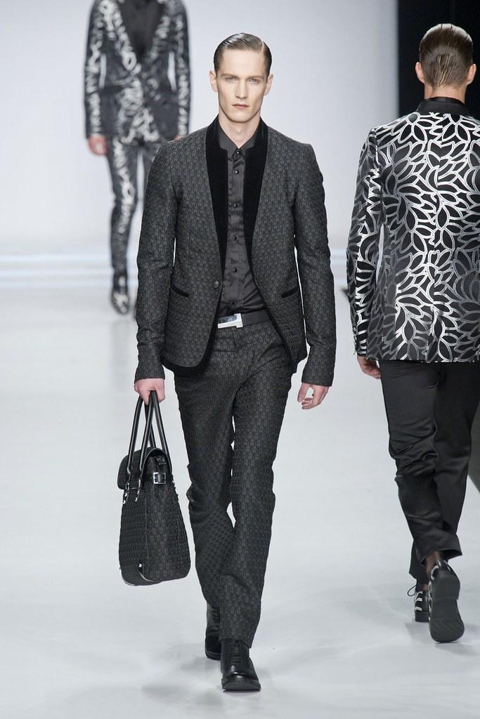 SS14 Milan Ji Wenbo048_Peter Bruder(fashionising.com)