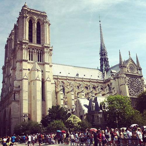 Vi var ett gäng vid Notre Dame.