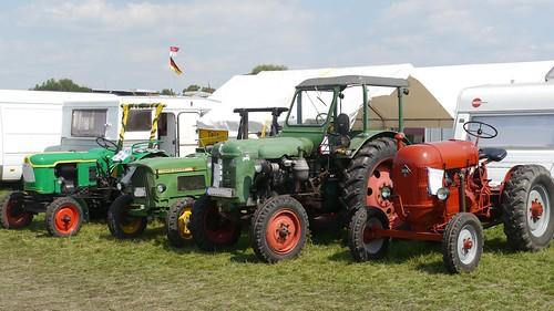 Traktoren: Fahrerlager Telz und Ragow