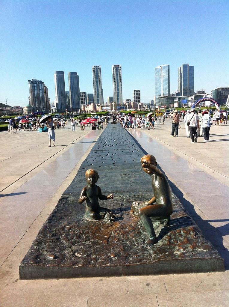 Dalian, 星海广场 Xinghai Square, la plus grande place d'Asie