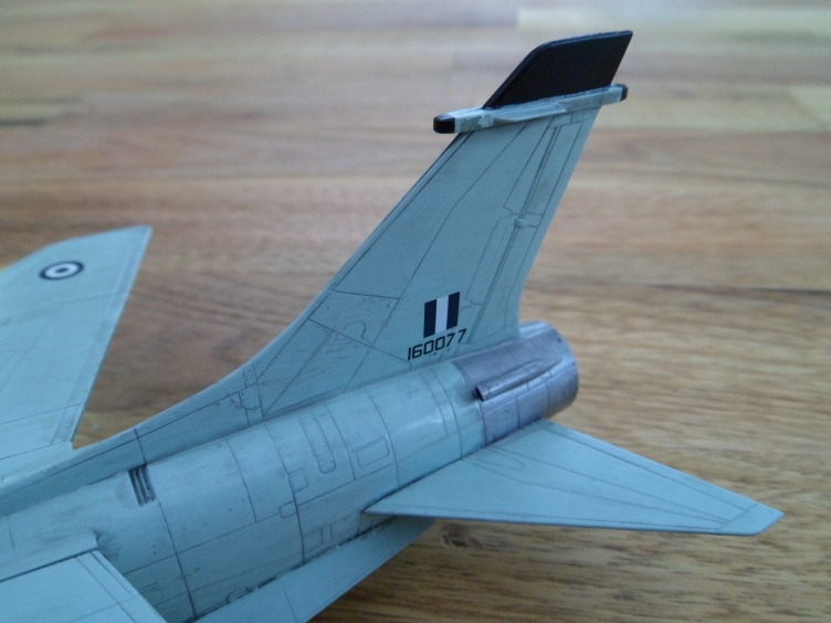 Un géant vert redoutable [Vought F-8 P Crusader Academy 1/72] 9558934758_19260098d4_o