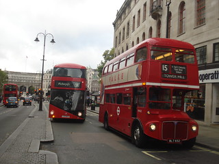 London United LT73 (9), Stagecoach RM652 (15H), Charing Cross