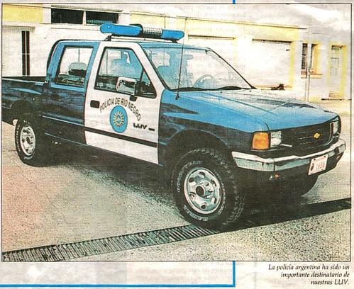 Chevrolet LUV - Policía de Rio Negro, Argentina (Inserto de El Mercurio)
