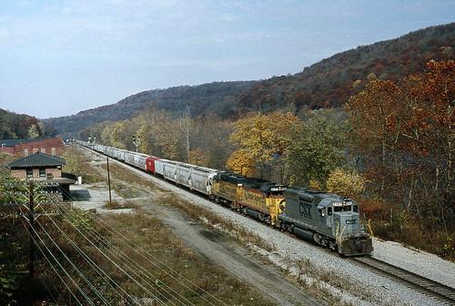 railroad train collegestation csx beavervalley sd40 beaverriver ple beaverfallspa