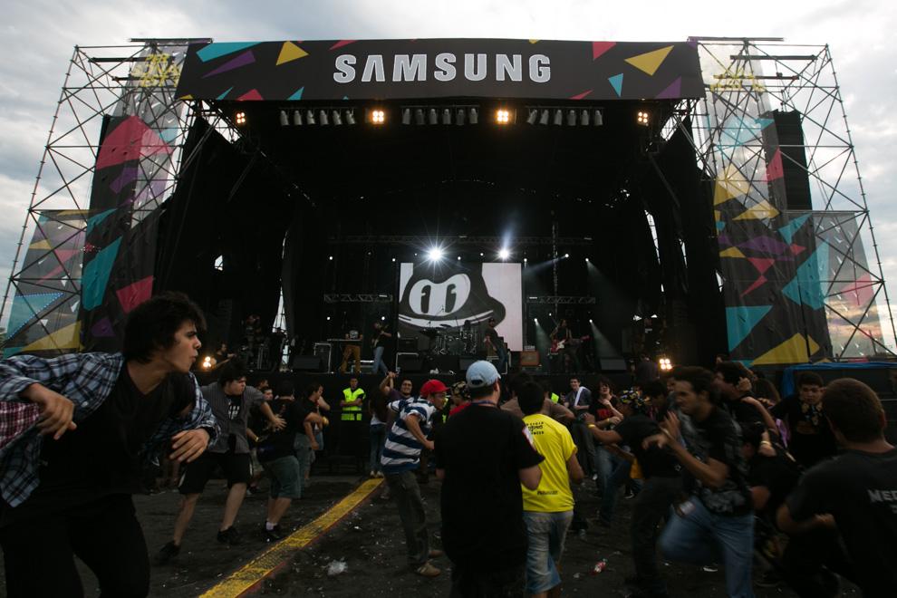 La euforia de los fanáticos del rock estuvo presente desde tempranas horas hasta la finalización del concierto. (Tetsu Espósito)