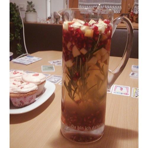 """weihnachtssangria, orangen-cupcakes & das spiel """"siberia"""": unser entspannungsprogramm nach dem raclette. #zp"""