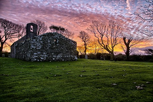 church graveyard sunrise canon photography hdr isleofman manx placeofworship churchofengland celticcrosses ellanvannin lonan lonanoldchurch canon1100d dioceseofsodorandman stadamnanschurch keeillnytraie