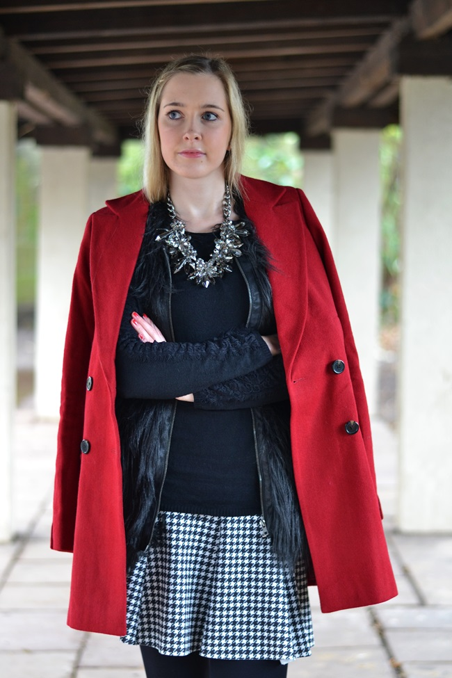 Outfit roter Mantel Asos (3)