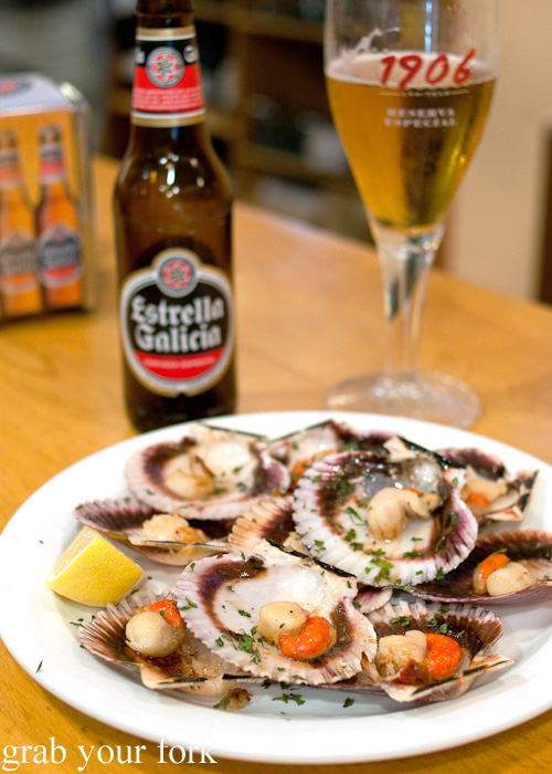 Zamburinas variegated scallops at Cerveceria El Real in A Coruna, Galicia, Spain