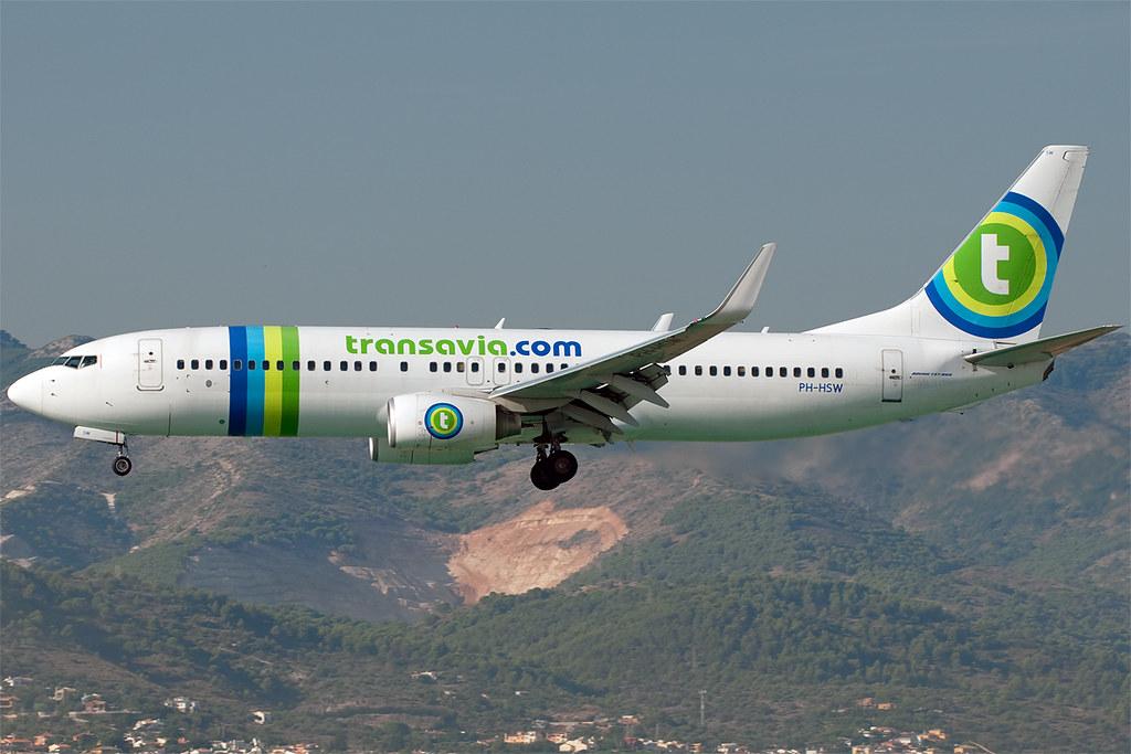 PH-HSW - B738 - Transavia