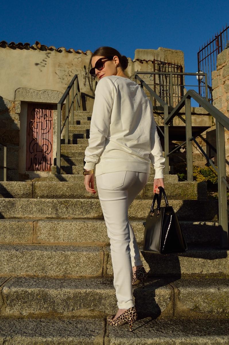 lara-vazquez-madlula-blog-streetstyle-white-look-chic-style