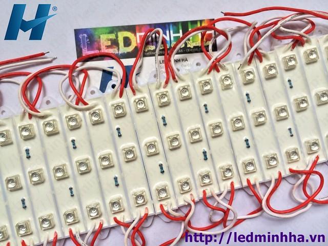 Led Hắt 7512 3 Bóng F5 Có Phủ Đế Nhựa