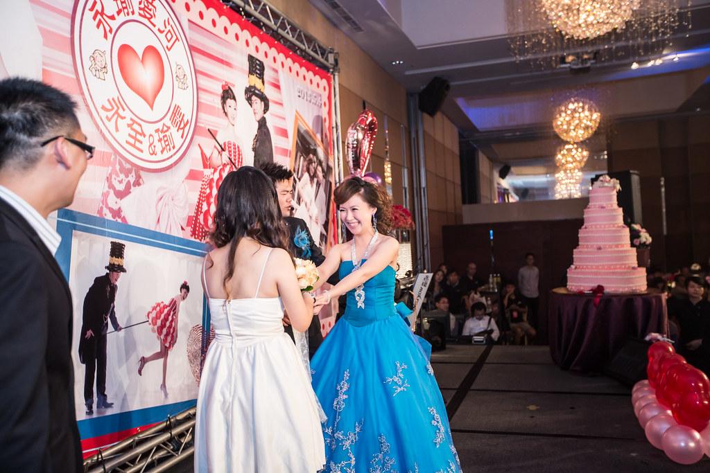 wedding0504-485.jpg