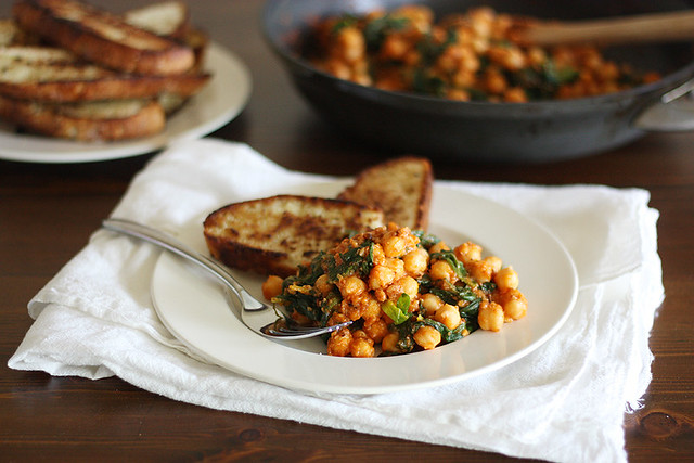 spinach-chickpea saute + fried bread toasts