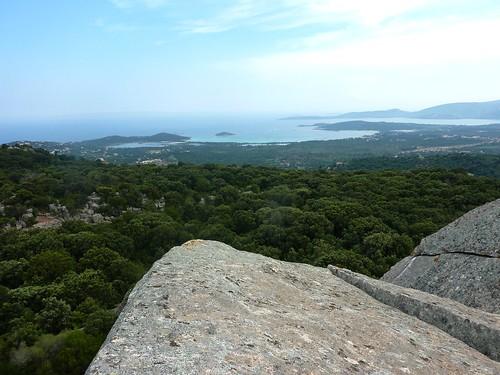 Tour du site du Castellu di Valle/Bacca : la vue depuis le sommet des blocs