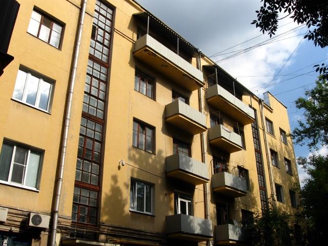 Дом-коммуна на ул. Лестева 18