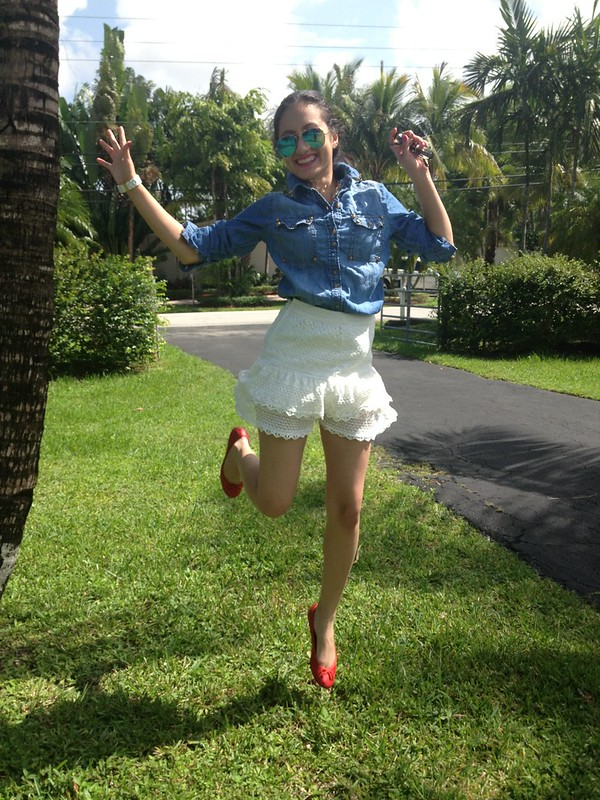 lace denim forever 21 asos blog fashion skinny latina shirt top skirt flats ray-bans studs trends summer look