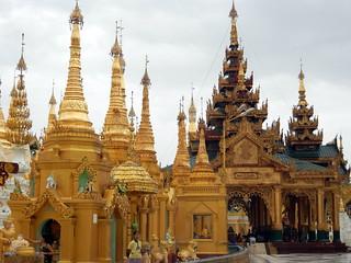 Shwedagon stupas