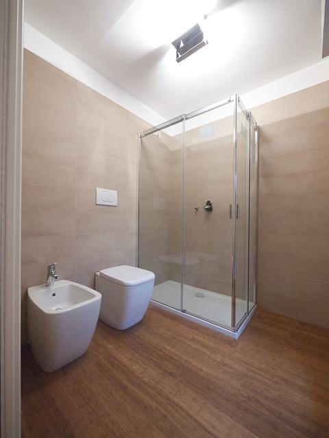 Altezza rivestimenti bagno idee per il design della casa - Altezza vasca da bagno ...