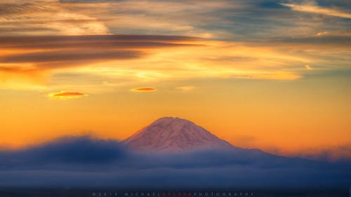 mountains fog clouds sunrise mt lenticular raini
