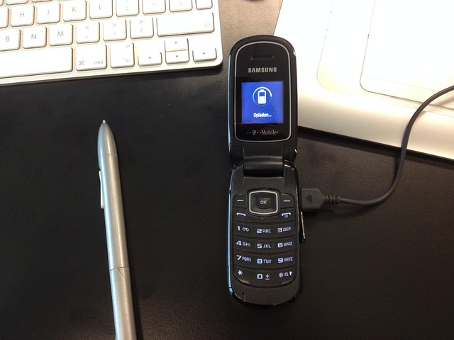 Dusting off the Hubbub feature phone