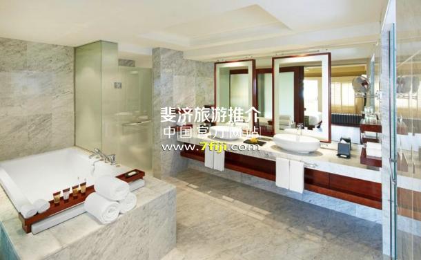 斐济喜来登度假村(Sheraton Fiji Resort)总统套房浴室