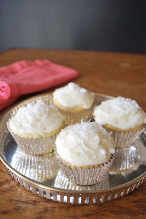 coconut-cupcakes-2