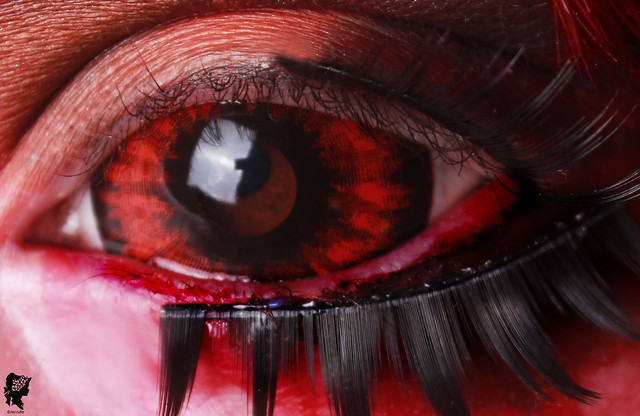 review-Phantasee-Red-Black-Sclera-lens-Sunpyre20