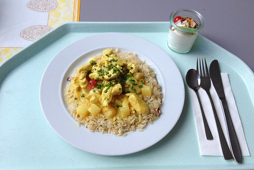 Putengeschnetzeltes in fruchtiger Currysauce / Turkey chop in fruity curry sauce