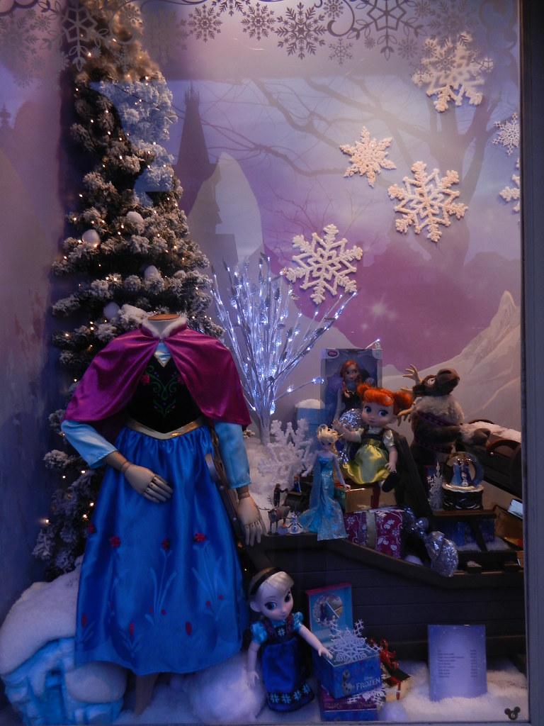 Un séjour pour la Noël à Disneyland et au Royaume d'Arendelle.... - Page 2 13643606134_f2ace13ff9_b