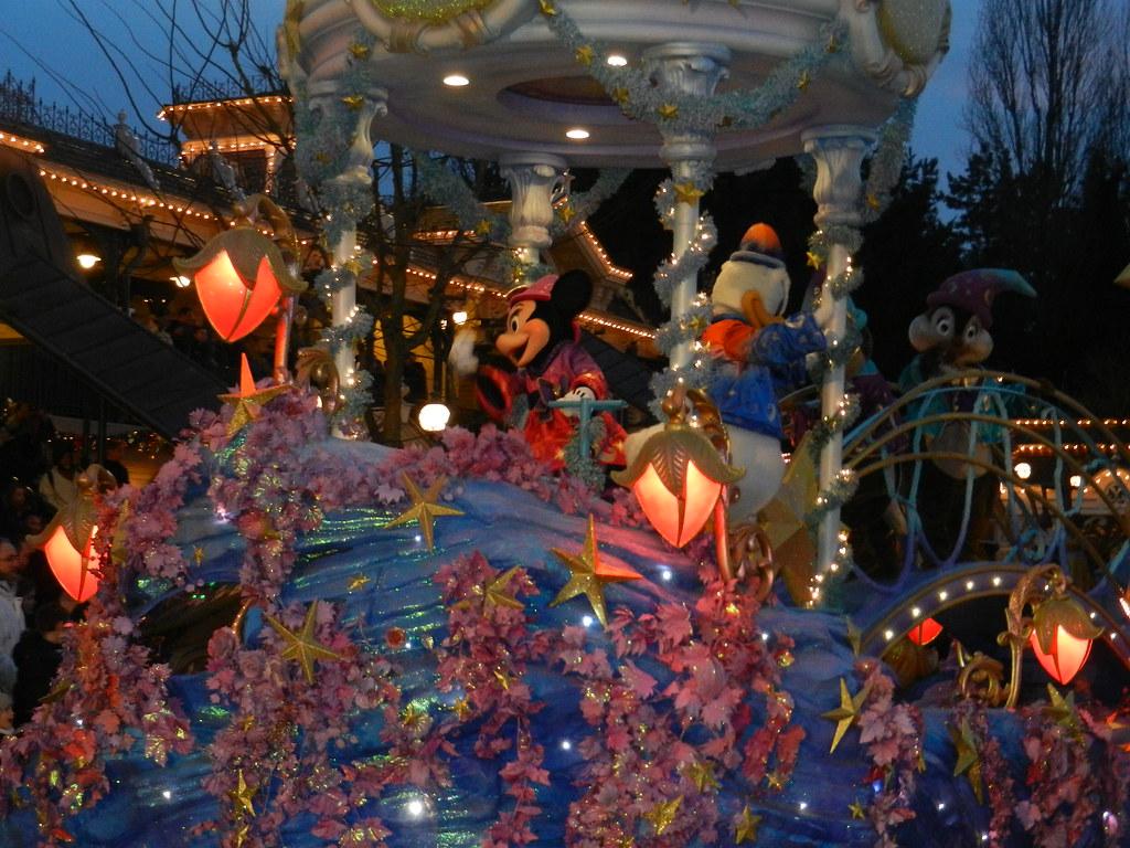 Un séjour pour la Noël à Disneyland et au Royaume d'Arendelle.... - Page 4 13696352724_9d91f5e943_b