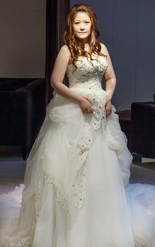 豐腴女孩也能挑到漂亮婚紗32
