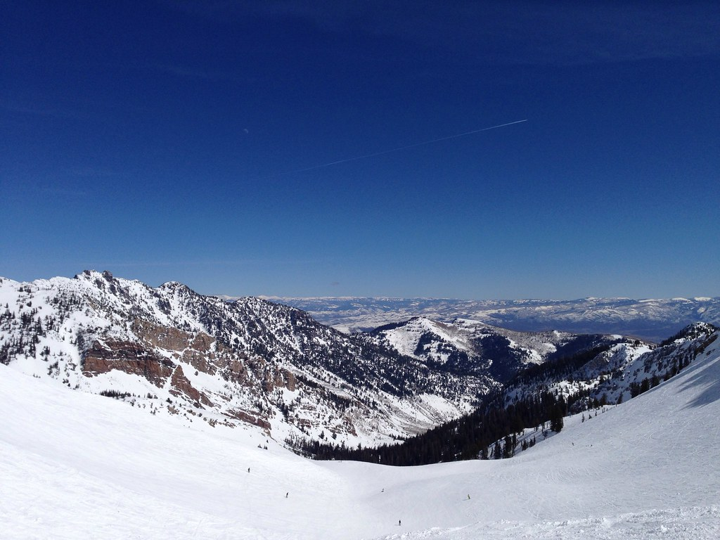 Clear blue sky over Mineral Basin