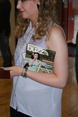 02_Shauna clutches new edition of BUZZ magazine