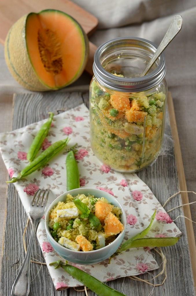 Taboulé aux petit-pois, feta et melon in a jar