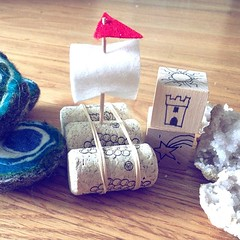 All the July crafts. So much fun to make! Shipping starts today. There's still a few envelopes left if you want to join the summer fun. #happyhedgehogpost #geode #wetfelt #wetfelted #wetfelting #handwork #waldorflife #storytelling #waldorfhome #waldorfcra