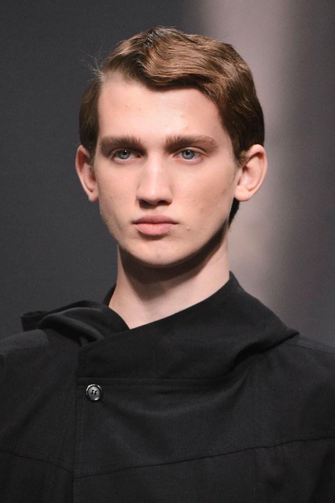 Eugen Ivanov3087_SS16 Paris Songzio(fashionising.com)